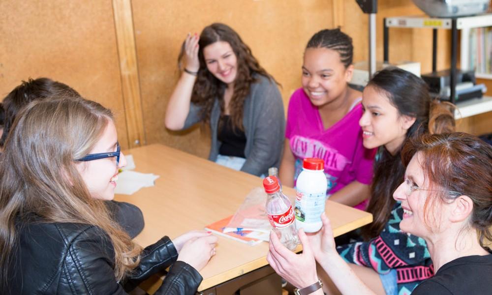 Nouveau! Cahier d'activités sur le plastique pour les classes de 9e et 10e année